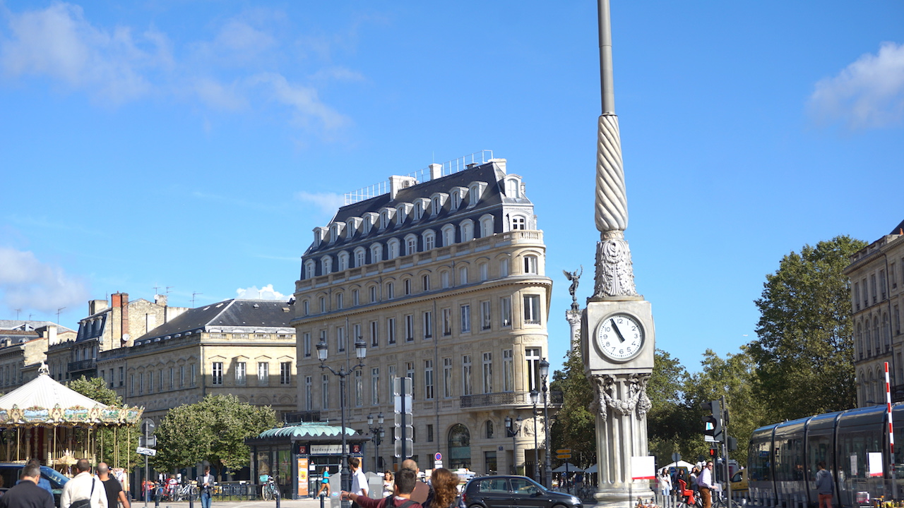 "Bordeaux's own ""Flat Iron"" building."