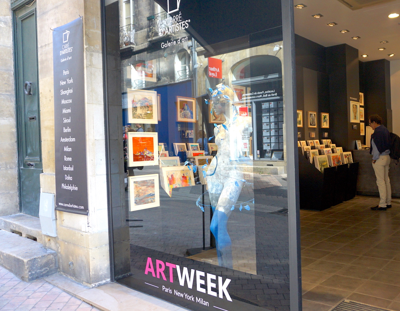 Small art galleries are cropping up around the city.